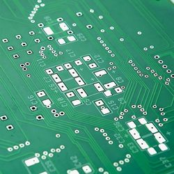 Placa de circuito impresso dupla face