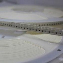 Resistores PTH e SMD